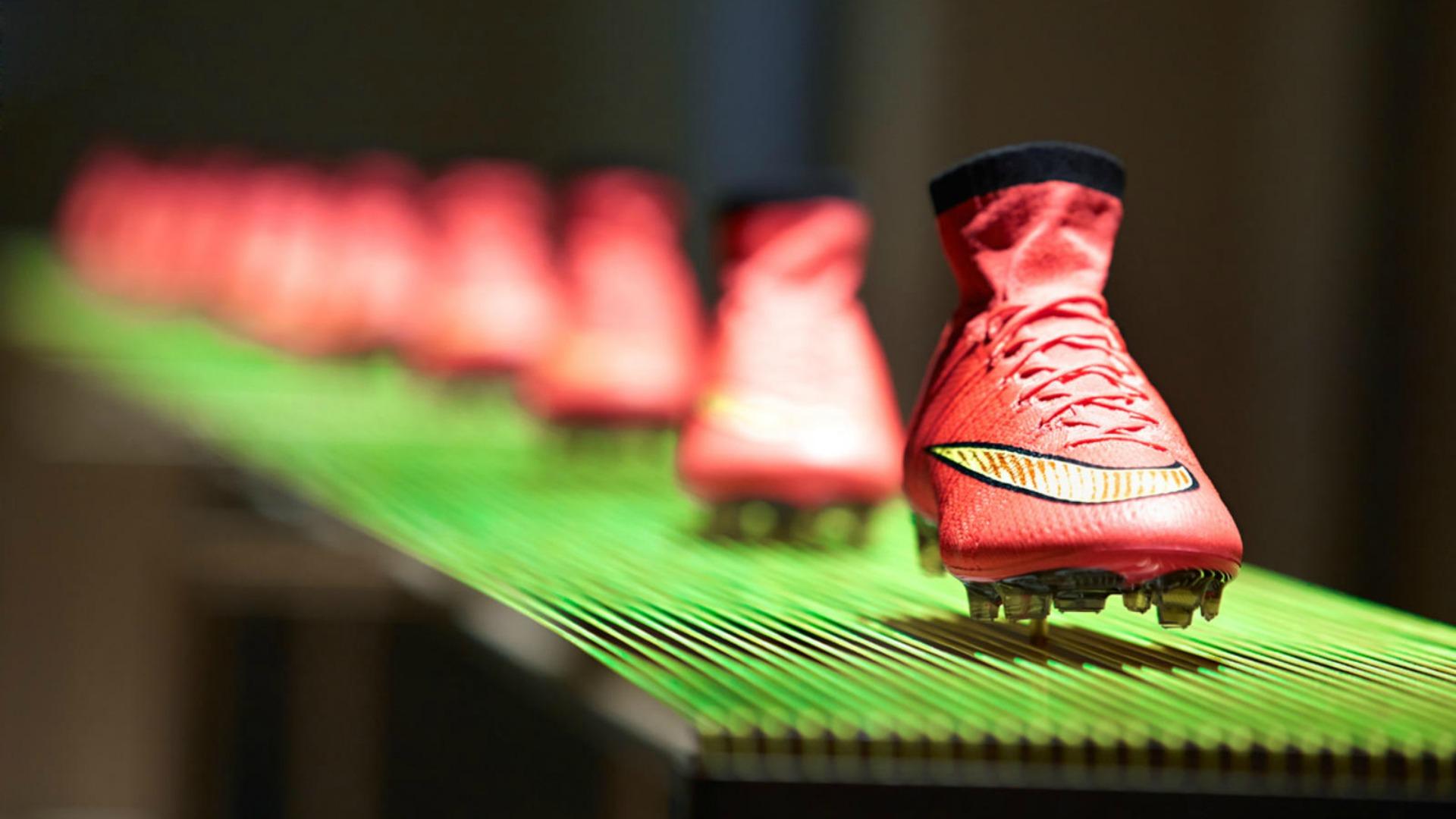 Nike đang là thượng hiệu giày đá bóng nổi tiếng nhất với những thiết kế và chất liệu dẫn đầu