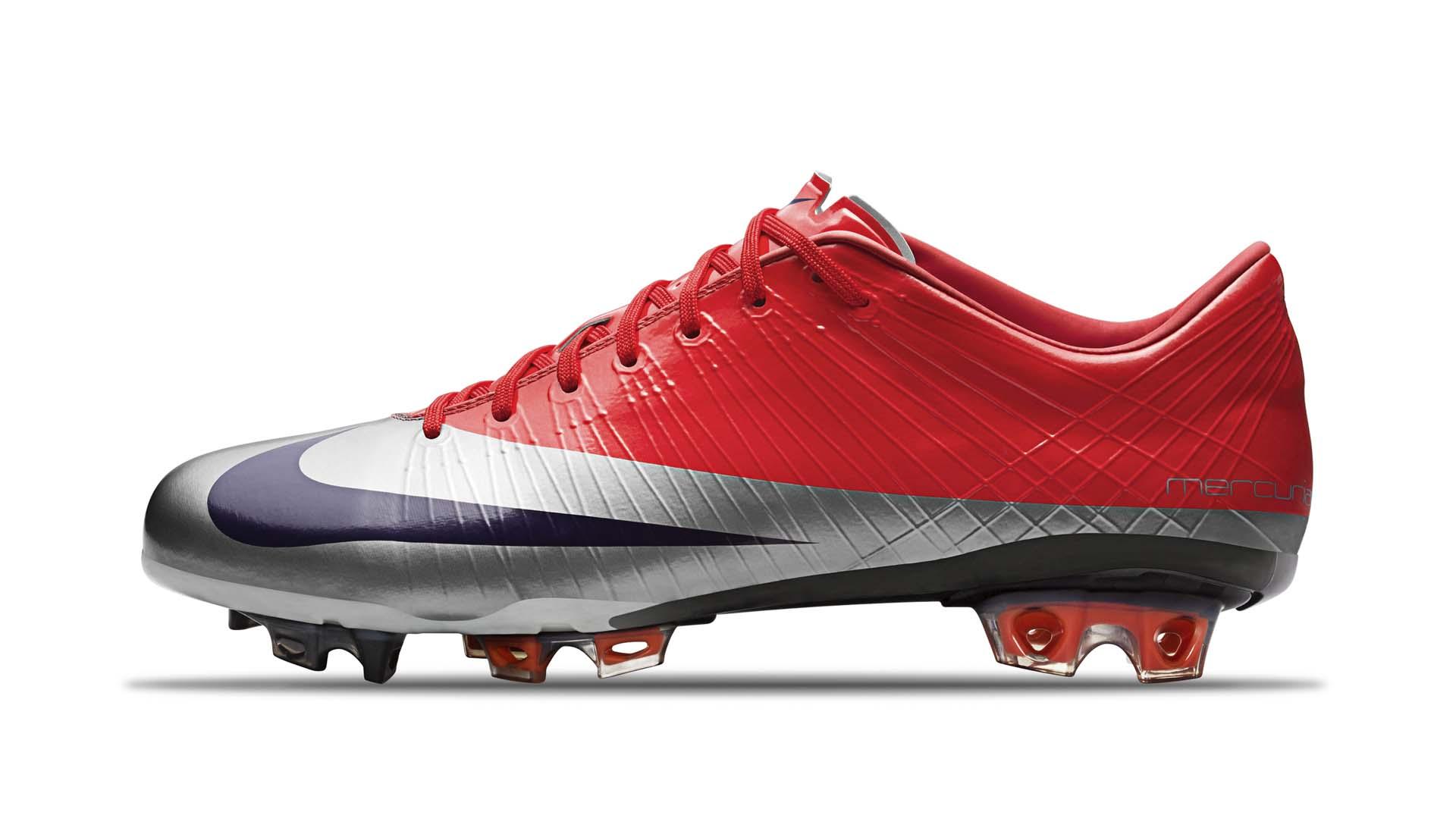 Đôi giày Nike Mercurial Superfly I lần đầu được ra mắt với trọng lượng siêu nhẹ