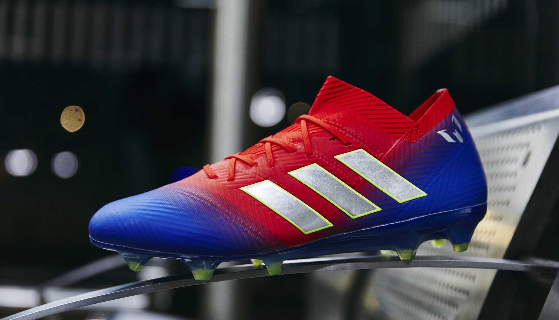 Giày đá bóng Adidas Nemeziz Messi 18.1 với gam màu áo đấu Barcelona