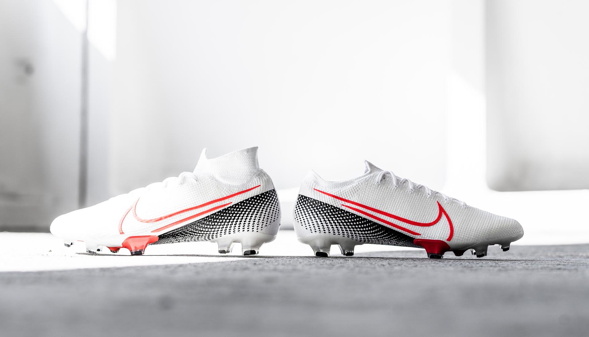 Bộ sưu tập Nike Future Lab 2 được ra mắt với gam màu đẹp mắt trắng và xanh