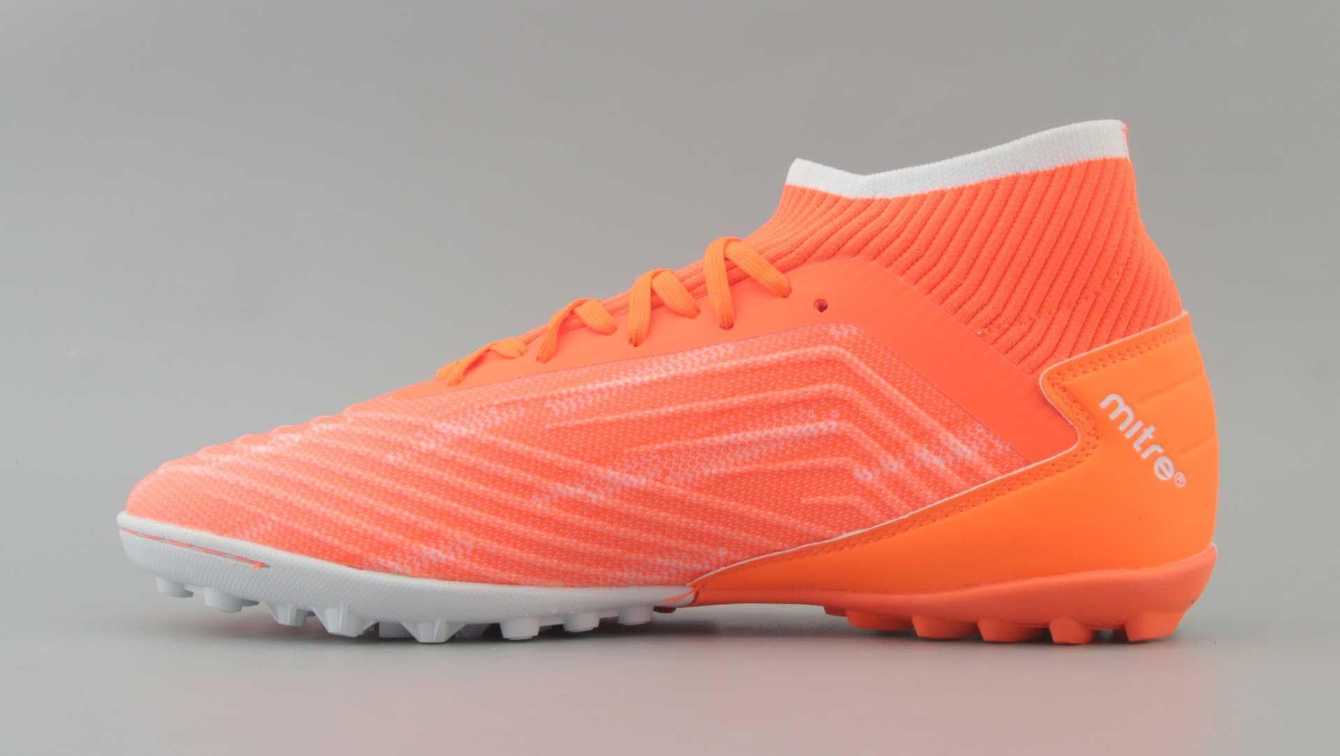 Giày đá bóng Mitre chính hãng thế hệ mới với thiết kế đẹp mắt