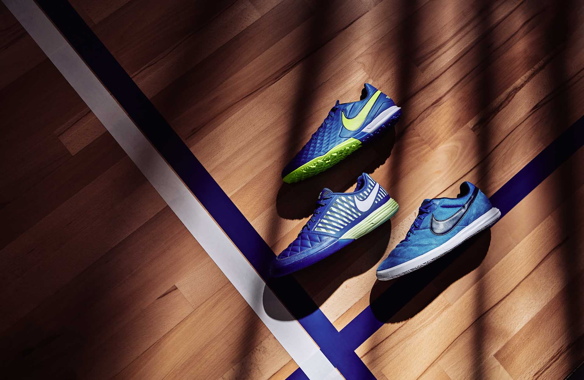 Bộ sưu tập giày đá bóng chính hãng Nike Skycourt pack