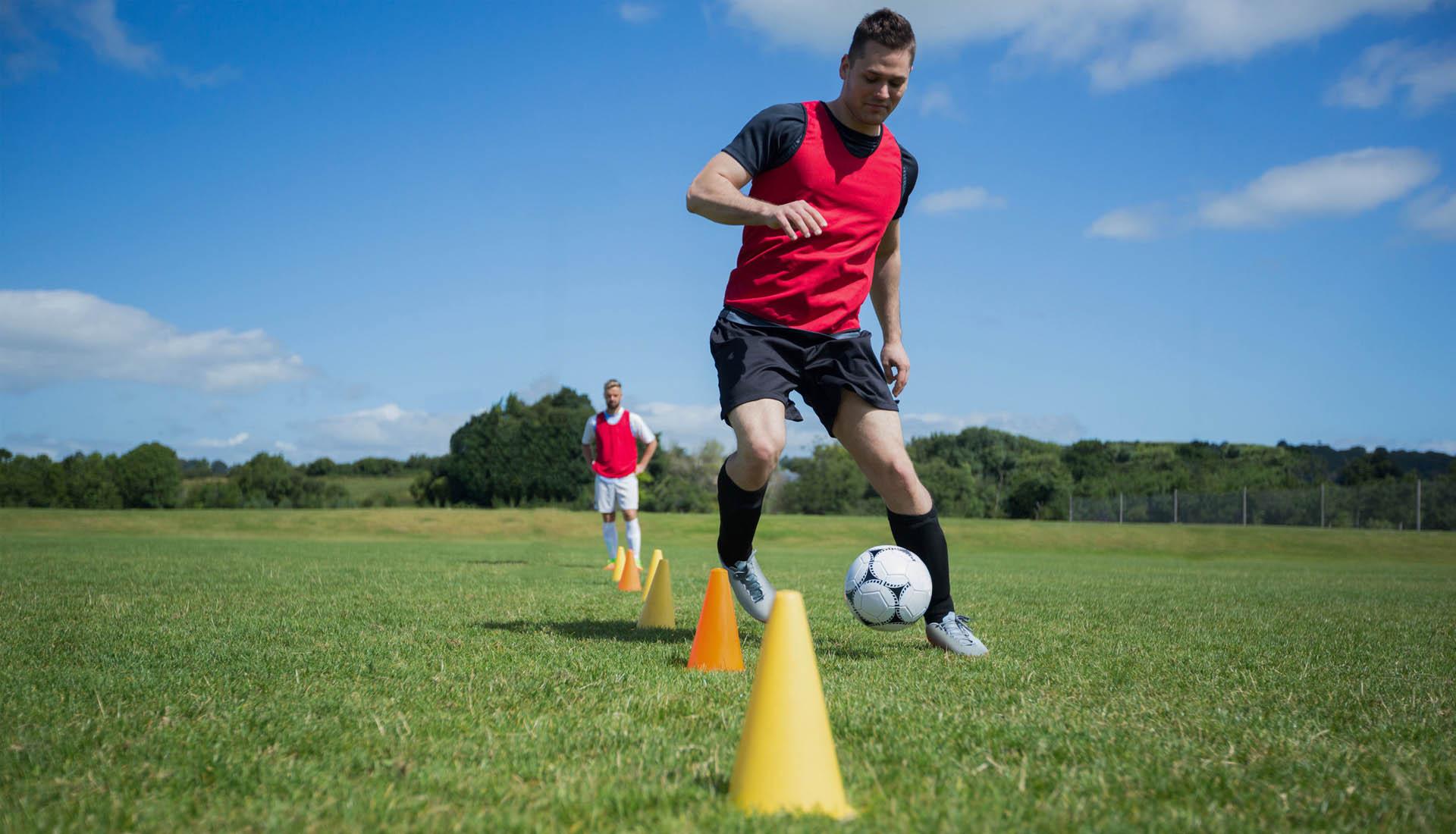 Làm chủ kỹ năng rê bóng sẽ giúp bạn có thể chơi bóng tốt hơn rất nhiều