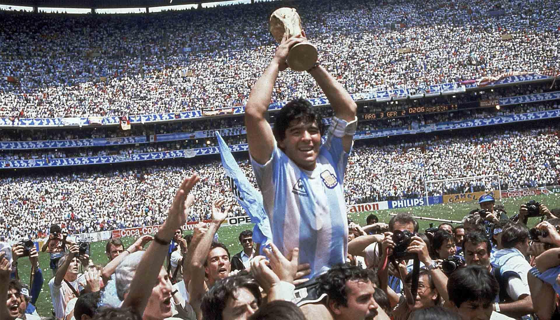 Diego Maradona là huyền thoại bóng đá người Argentina khi đưa đội này vô địch Worldcup 1986