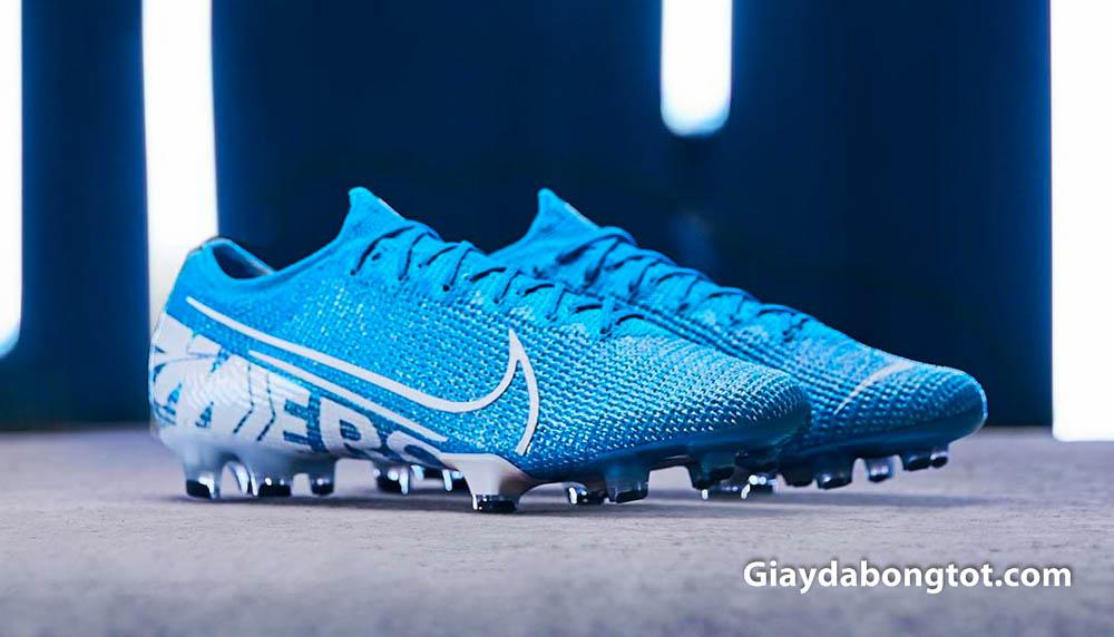 Nike Mercurial Vapor 13 và Superfly 7 là phiên bản mới nhất của dòng giày Nike Mercurial tính đến 2020